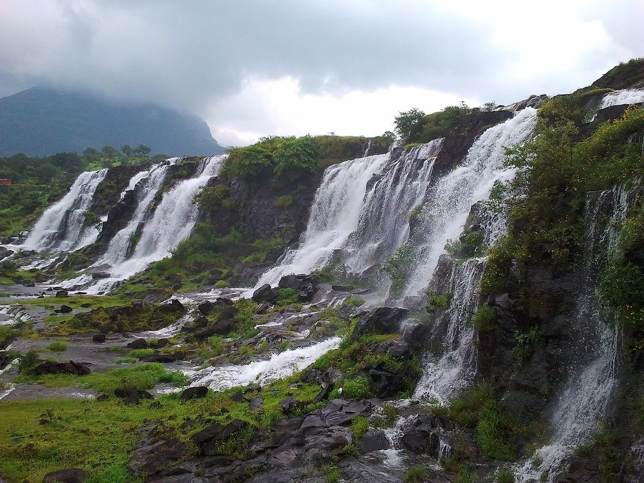 A weekend getaway to Bhandardara - Savaari Blog