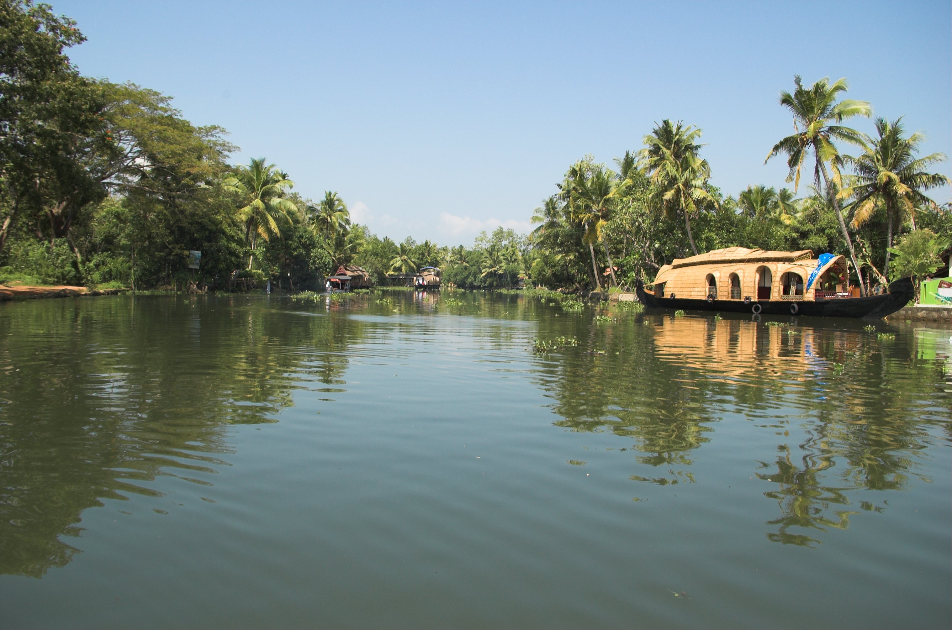 alleppey-kerala-top-10-destinations-in-south-india