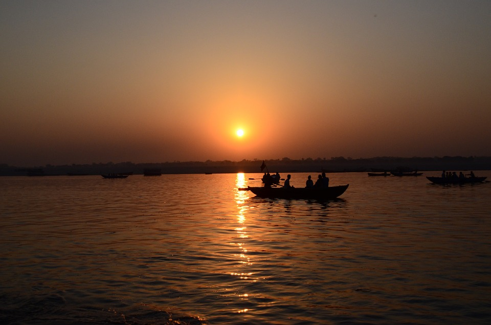 savaari-varanasi-solo-destination-female