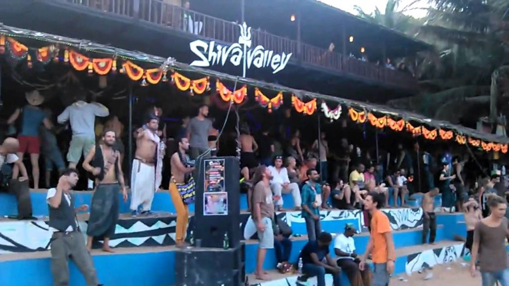 savaari-goa-party-places