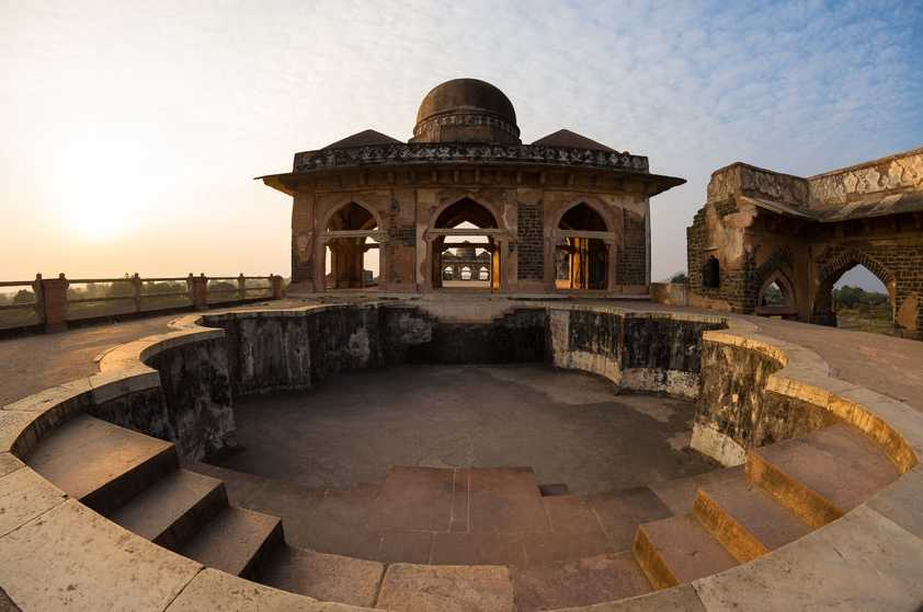 savaari-mandu-places-to-visit-madhya-pradesh