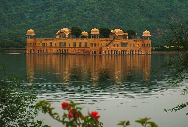 savaari-jal-mahal-a-wonder-that-it-is