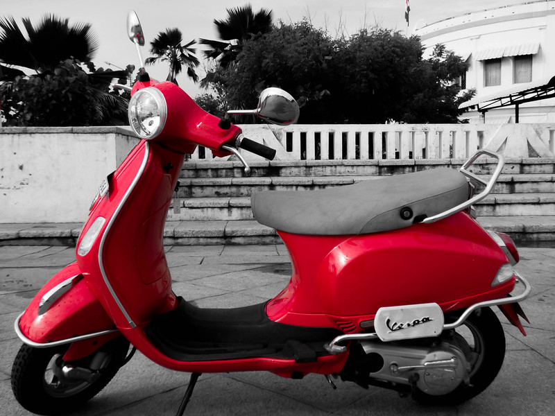 savaari-pondicherry-vespa-parked-randomly