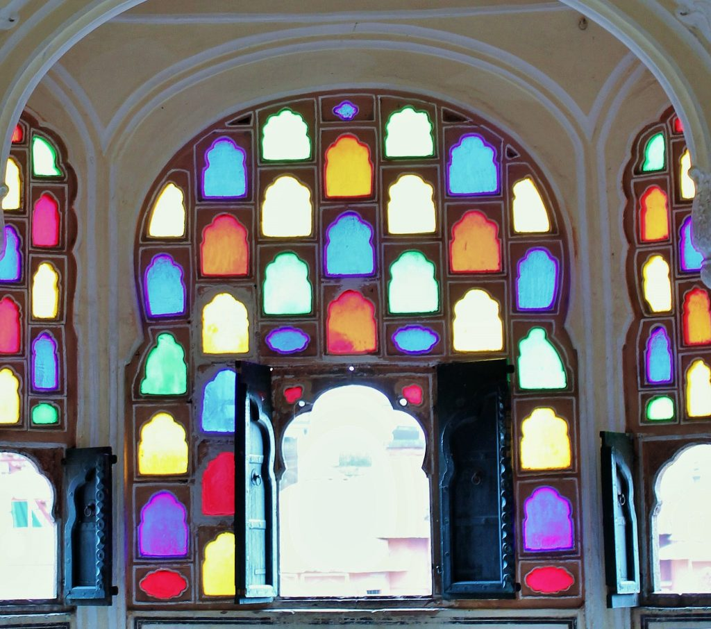 savaari-mini-vacation-hawa-mahal