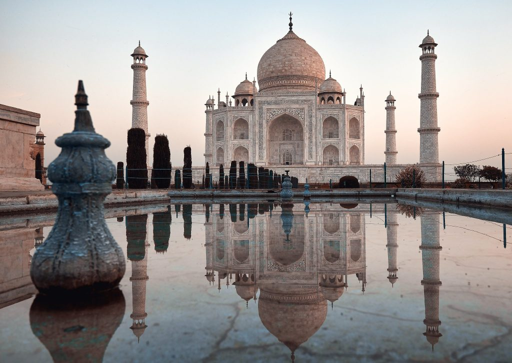 savaari-agra-taj-mahal-symbol-of-love