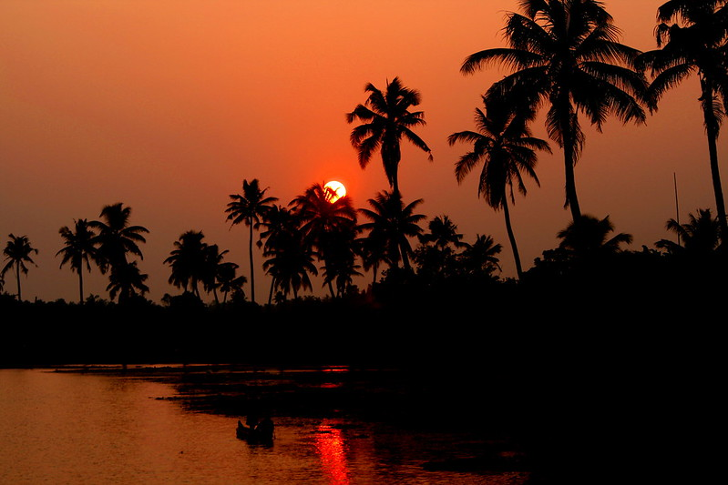 Kerala-soothing-sun-backwaters