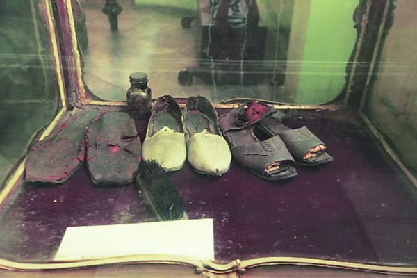 Netaji's-belongings-on-display