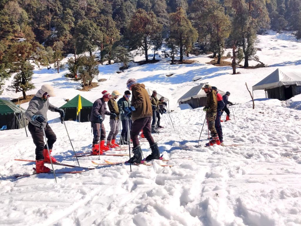 Top Places to Visit Near Chopta